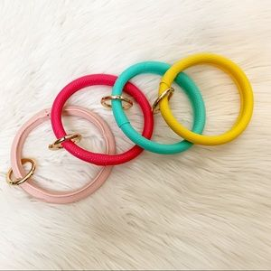 1 colorful leather bracelet key ring